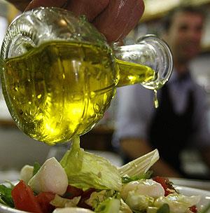 El aceite es un alimento beneficioso para la salud cardiovascular (Foto: Dario Pignatelli | REUTERS).