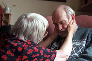 Documental 'Malcolm and Barbara: Love's Farewell', sobre un enfermo de Alzheimer. (Foto: ITV  REUTERS)