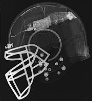 Uno de los cascos usados en fútbol americano.