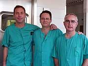 Los especialistas del Hospital Son LLàtzer responsables de la intervención.