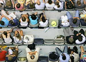 Espectadores de un partido de tenis. (Foto: AFP | Peter Parks)