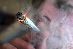 El debate sobre el uso de la marihuana como un analgésico es un tema cadente. (Foto: Reuters | David Bebber)