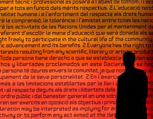 La declaración de los Derechos Humanos adorna el XXIV Congreso Anual de la Sociedad Europea de Reproducción Humana y Embriología de Barcelona. (Foto: Andreu Dalmau | EFE)