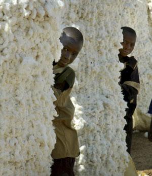 Dos niños en Burkina Faso. (Foto: Reuters)