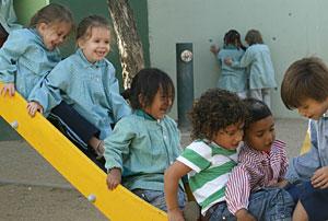 Primer día de clase en un colegio de Barcelona. (Foto: Antonio Moreno)