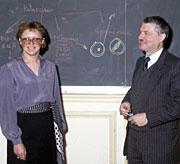 Barré-Sinoussi y Montagnier en los 80. (Foto: AP)