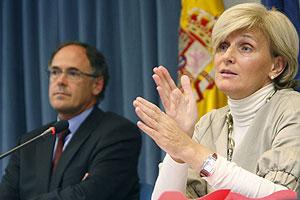 La directora de Salud Pública y Medio Ambiente de la OMS, María Neira, anuncia las medidas frente al cambio climático. (Foto: Alvarado | EFE)