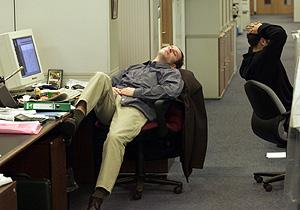 Una 'siestecita' en el trabajo (Foto: AP   Maxim Marmur)