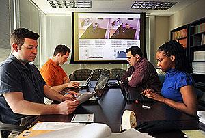 Mark Rapport y su equipo de la Universidad de California. (Foto: Universidad de Califorrnia).
