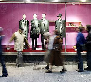 Ropa de hombre en un escaparate (Foto: Bernabé Cordón)