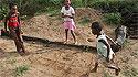 Un grupo de niñas jugando