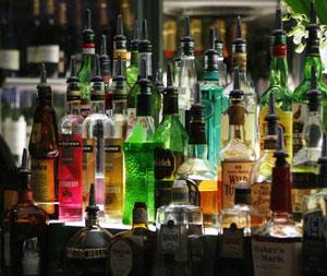 Botellas de licor en un bar de Sydney (Australia). (Foto: Reuters)
