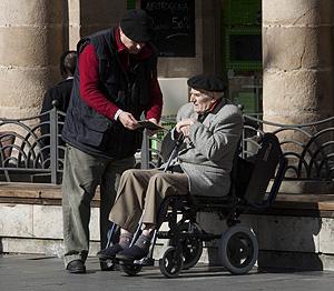 Una pareja de ancianos en el País Vasco (Foto: Carlos García Pozo)