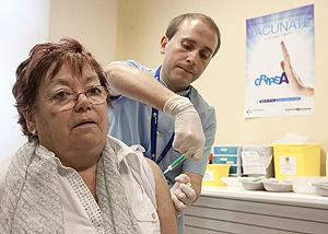 Campaña de vacunación en un centro de salud. (Foto: Iñaki Andrés)