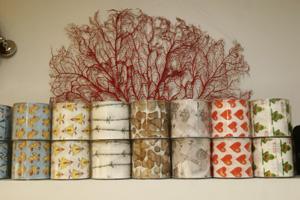 Rollos de papel higiénico de diseño (Foto: Diego Sinova)