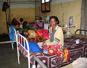 Pabellón de tuberculosis del hospital de Tsiombe, en Madagascar. (Foto: Rosa M. Tristán)