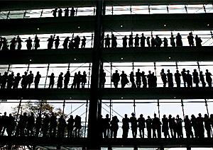 Expectación en la fábrica alemana donde se fabricará el fármaco (Foto: AP   Michael Pobst)