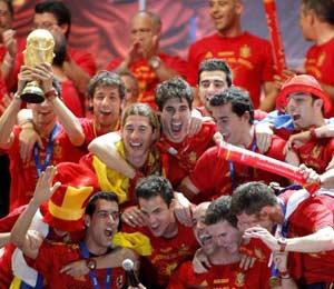 Celebración de la victoria española del Mundial. (Foto: Alberto Di Lolli)