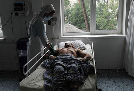 Un paciente terminal en una clínica de Kiev, Ucrania. Afp | Sergei Supinsky