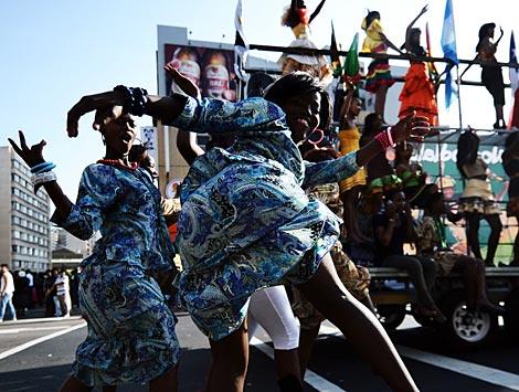 Celebración de una fiesta en Sudáfrica. | Afp
