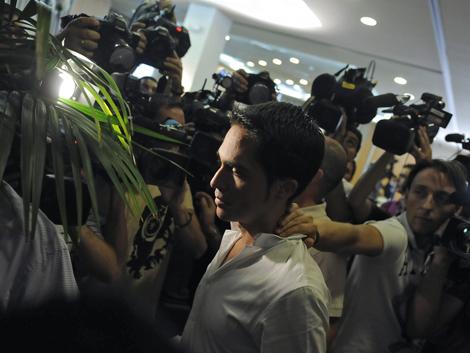 El ciclista Alberto Contador, en rueda de prensa.| Afp