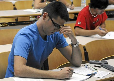 Prueba de Selectividad en la Universidad de Alicante. | Cristóbal Lucas