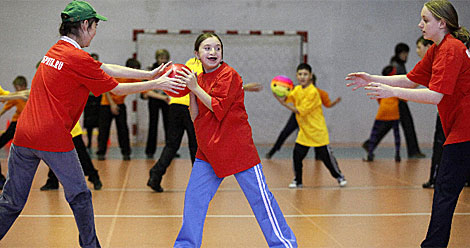 Varios niños jugando.  Reuters   Ilya Naymushin
