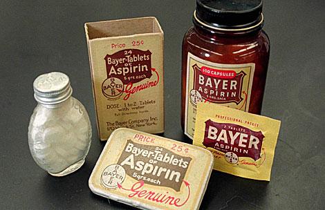 Envases antiguos de aspirina.   AP   Mike Dere
