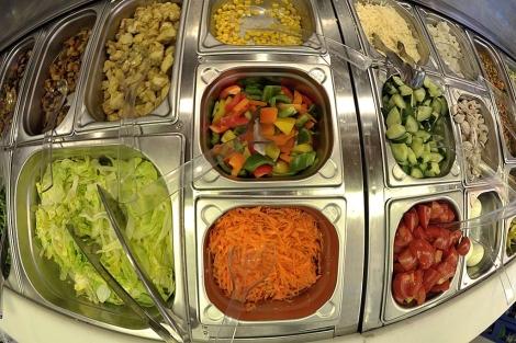 Verduras preparadas en un local de Hamburgo.| Reuters | Morris Mac Matzen