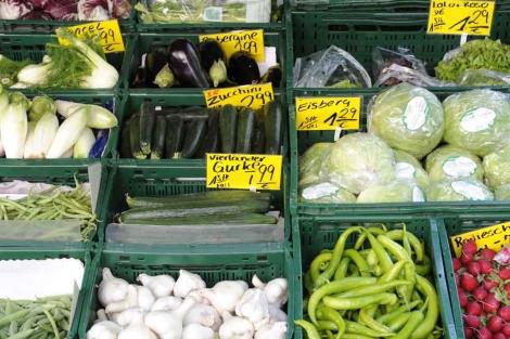 Verduras a la venta en un mercado de Hamburgo.| Reuters