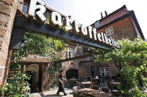 Este restaurante es uno de los focos 'sospechosos'.| AP | Heribert Proepper