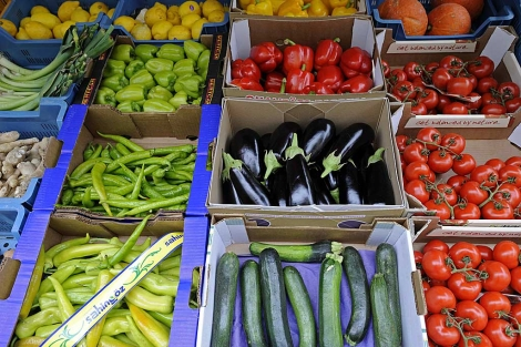 Un puesto de hortalizas en Hamburgo.| Reuters| Fabian Bimmer