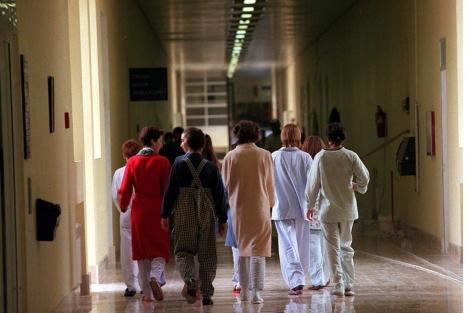 Un grupo de niñas anoréxicas del Hospital Niño Jesús de Madrid.| Bernabé Cordon.