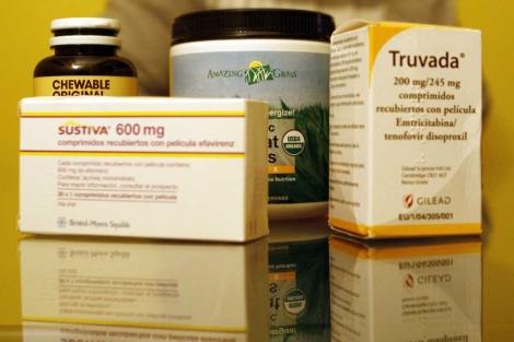 Algunos fármacos antirretrovirales, junto a otras medicinas.| El Mundo