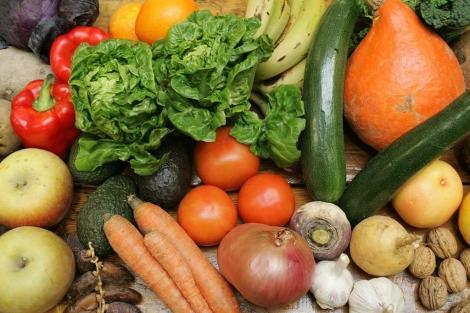 Cada vez comemos menos verduras y más grasas.   Bernabé Cordón