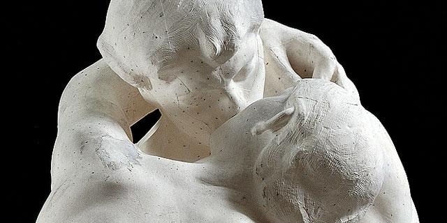 Escultura 'El beso' de Rodin.| El Mundo