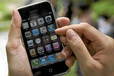 Varias aplicaciones de 'smartphones' ayudan a controlar enfermedades. | AFP