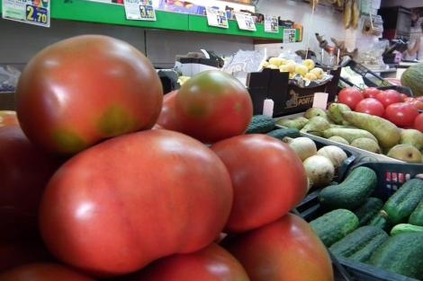 Los expertos aconsejan una dieta rica en frutas y verduras. | El Mundo