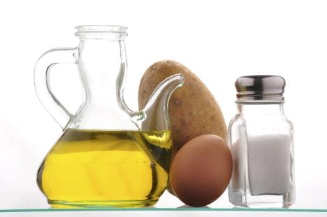 El aceite de oliva es la base de la dieta mediterránea. | El Mundo