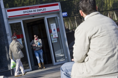 Oficina del Inem en Puerta del Ángel, Madrid. | Gonzalo Arroyo