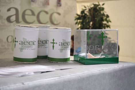 Campaña de recogida de dinero de la Asociación Española contra el Cáncer ( AECC ). | El Mundo
