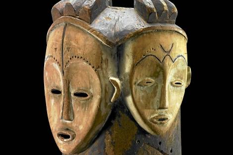 Una máscara africana con la representación del dios Jano.| EM