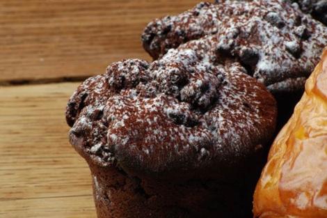 El azúcar se utiliza en numerosos productos industriales como la bollería. |El Mundo.