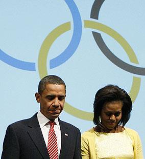 El matrimonio Obama, durante la presentación de la candidatura de Chicago. (Foto: AP)