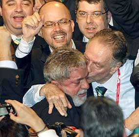 Lula, felicitado tras el éxito de Río. (EFE)