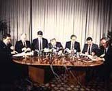 Firma del pacto para la normalización y pacificación de Euskadi. (Archivo histórico Diario 16)