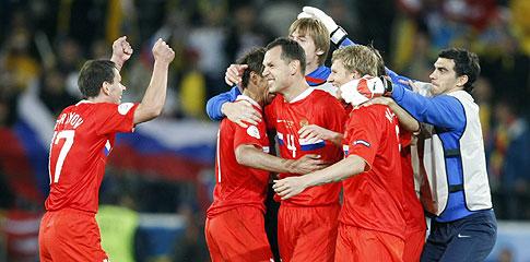 Los jugadores rusos celebran la victoria. (Foto: AP)