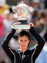 Myskina, tras ganar Roland Garros./ REUTERS