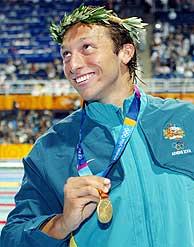 Ian Thorpe, con su medalla de oro./AP