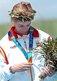 María Quintanal tras recibir su medalla./EFE